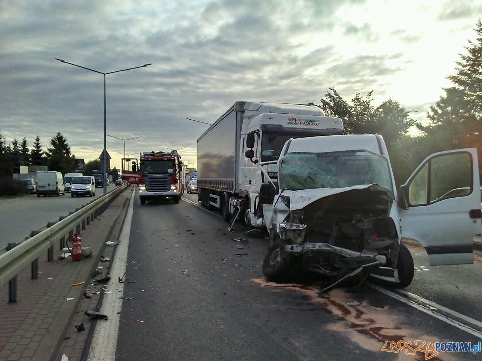 Wypadek na Poznańskiej  Foto: Pomoc Drogowa Car Center Poznań