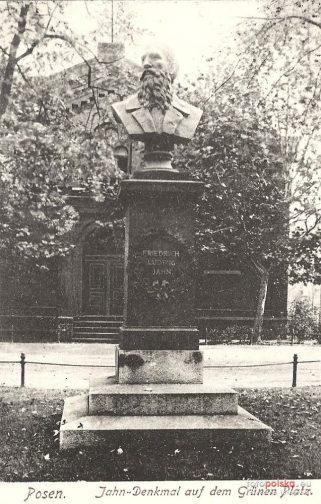 Pomnik Friedricha Ludwiga Jahna - Zielone Ogródki  Foto: fotopolska