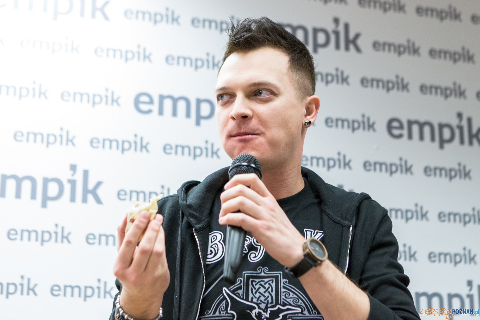 Spotkanie zespołu Nocny Kochanek z fanami w Empiku - Poznań 15  Foto: LepszyPOZNAN.pl / Paweł Rychter