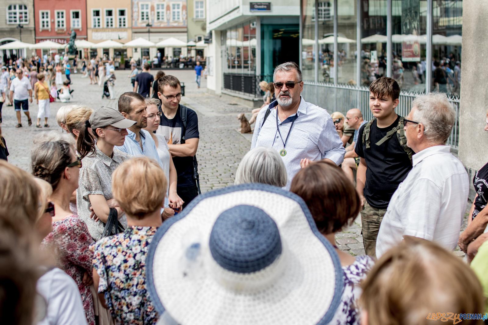 SPacer z przewodnikiem - Kulturalny Stary Rynek  Foto: Ewelina Jaskowiak