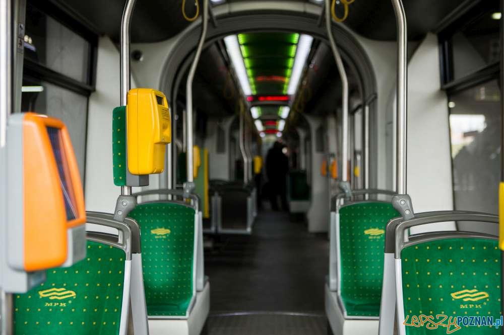 Tramwaj Solaris wnetrze  Foto: ZTM / materiały prasowe