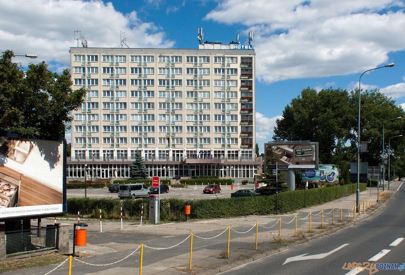 Solna, Hotel Ikar  Foto: Petroniusz / fotopolska.eu